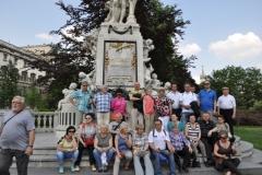 r__wiede_-_pomnik_mozarta